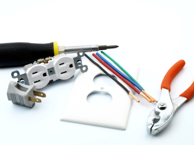 Electrician West Palm Beach Hiring Tips: 3 Tips on Hiring a Great Electrical Contractor