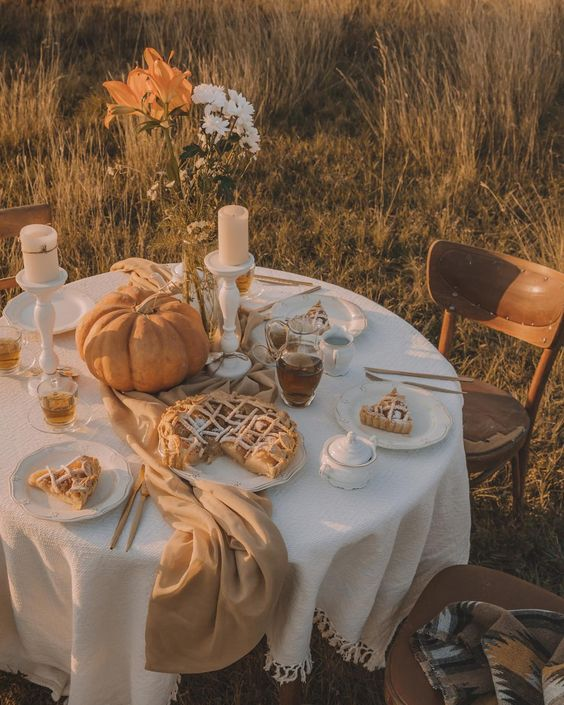 Weekly Inspiration: Simple & Natural Fall Tablescapes