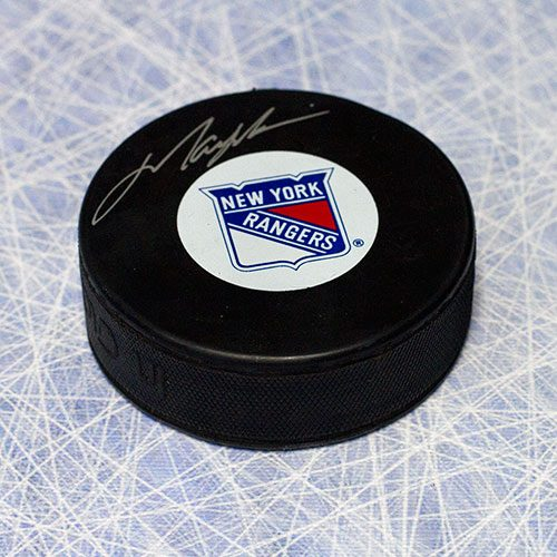 Mark Messier Signed Puck New York Rangers Hockey Puck