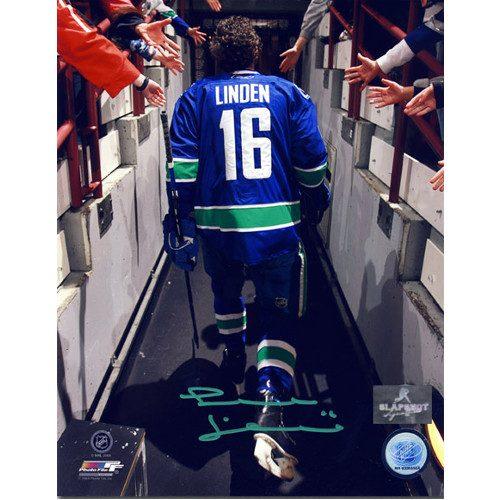 Trevor Linden Signed Reverse Tunnel Walk 8x10 Photo-Vancouver Canucks