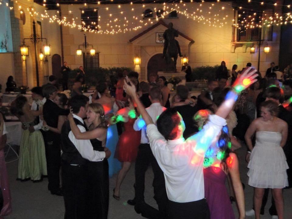 Online wedding planning for Black Tie DJs of Sarasota Florida