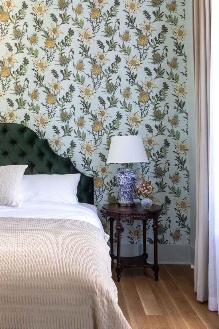 Queen room at National Exchange Hotel