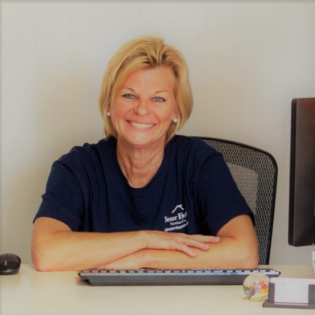 Cherie Holliman, Office Manager