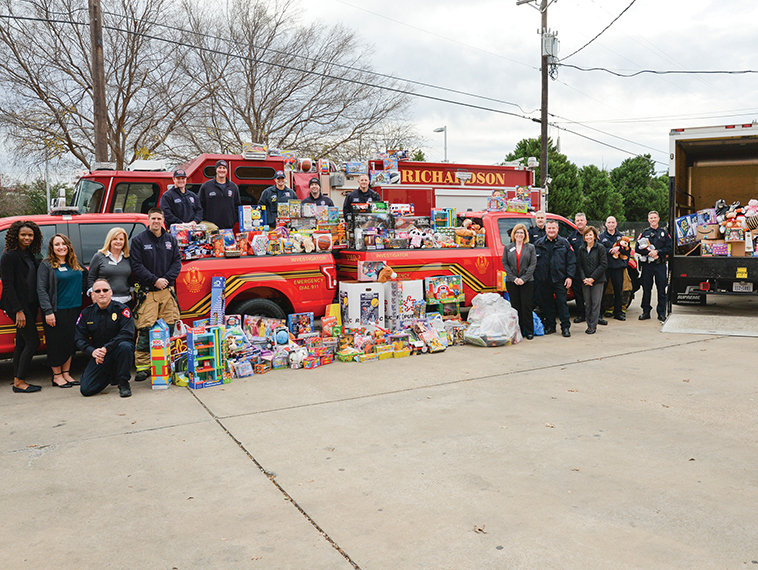 Richardson Fire Department delivers toys, food and holiday cheer to Network