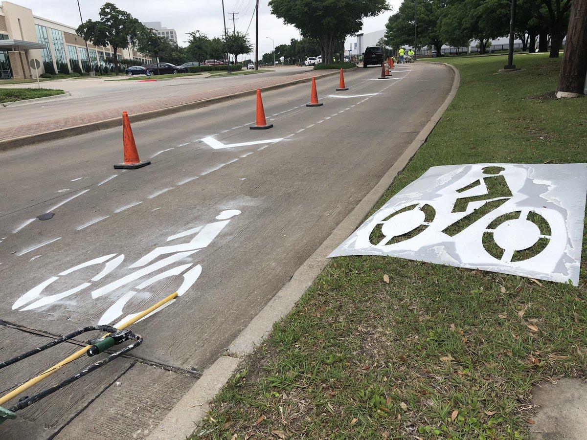 Demonstration Bike Lanes on Greenville Avenue Become Permanent
