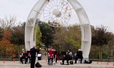 """Richardson Community Band """"Holiday Horns"""" Perform at Heights Park"""