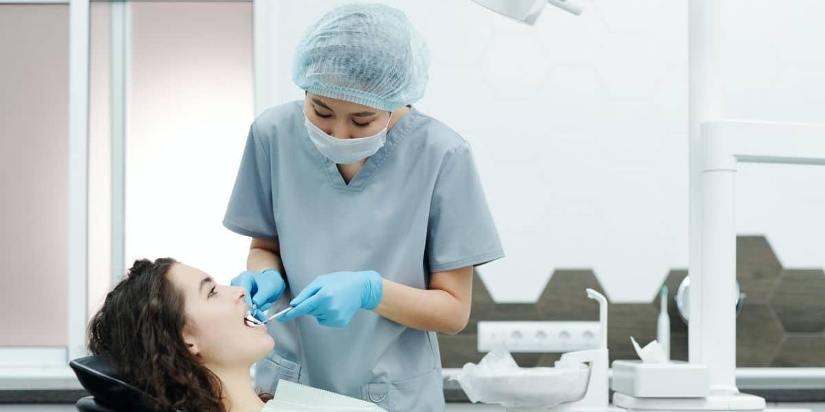 Encías inflamadas: ¿Sarro, caries dentales, gingivitis?