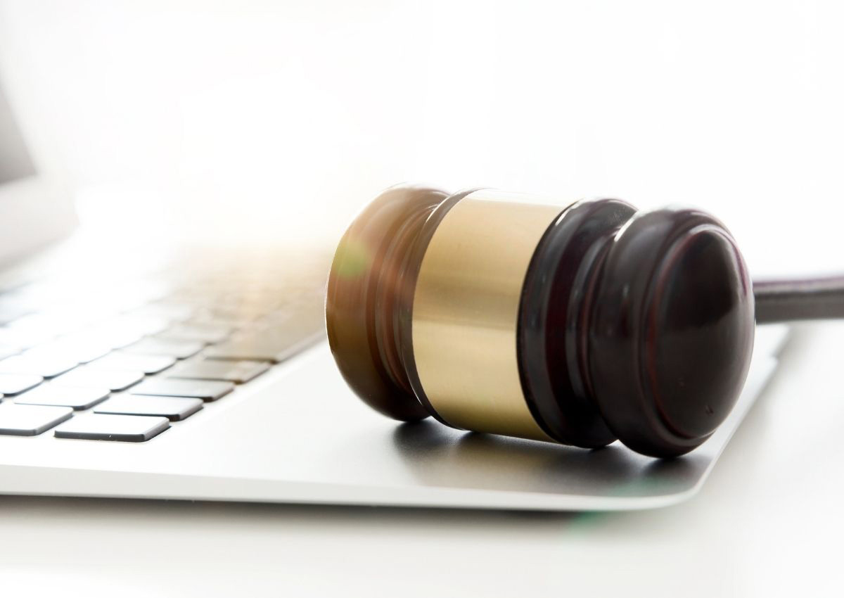 technology-trial-ready-insurance-defense-legal-team