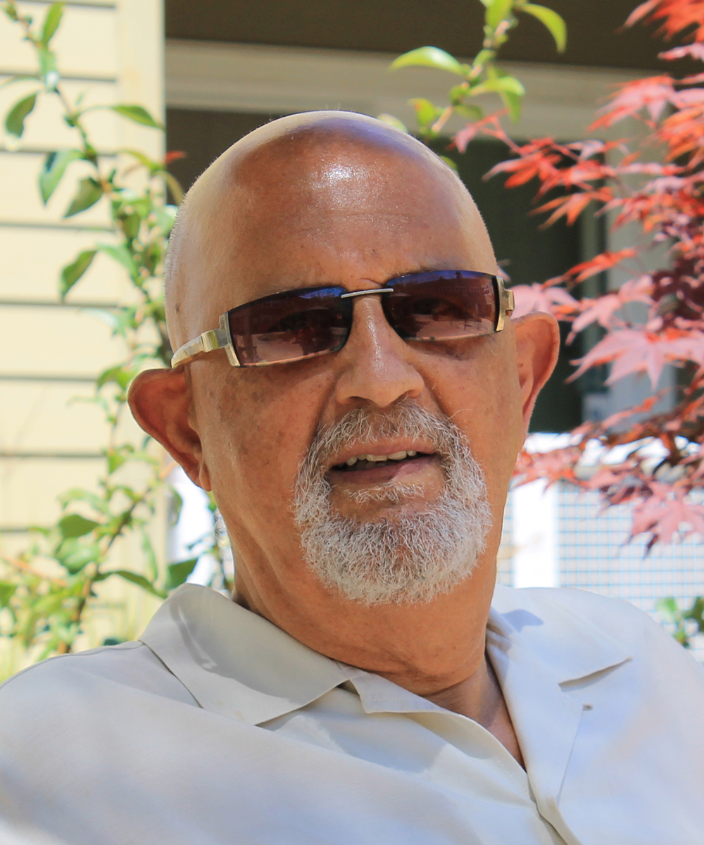 Author Arif Khatib-Toiling In the Shadow of Obscurity