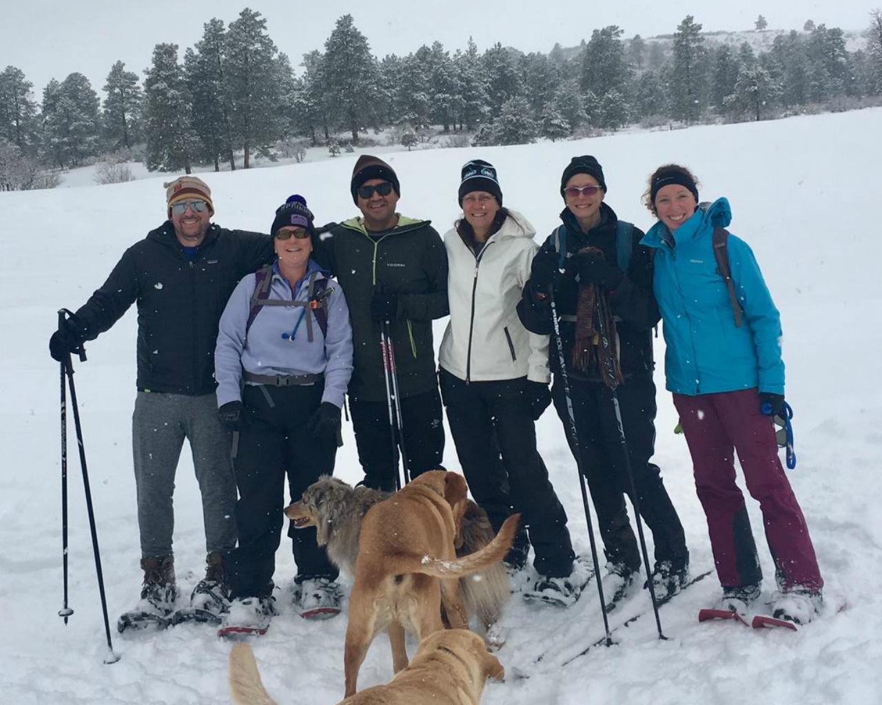 group-snowshoe-1280