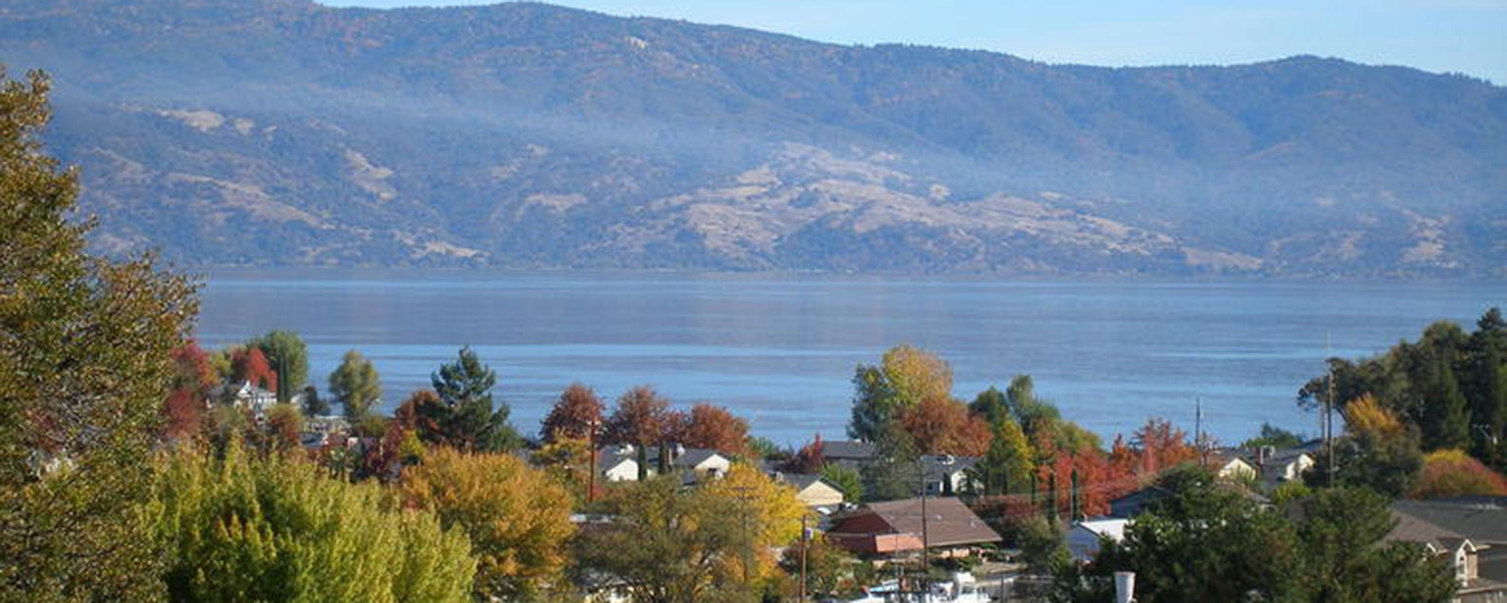 lakeport-in-the-fall