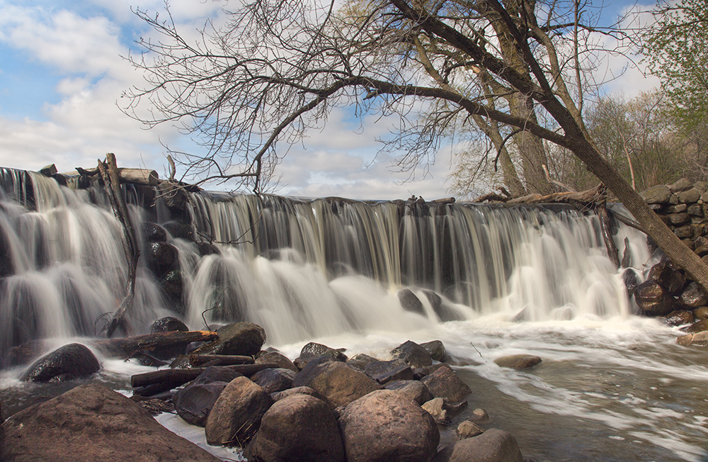Waterfall at Whitnall Park pond, Wehr Nature Center