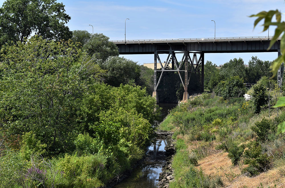 A view of the 35th Street viaduct from the North Bank Trail.