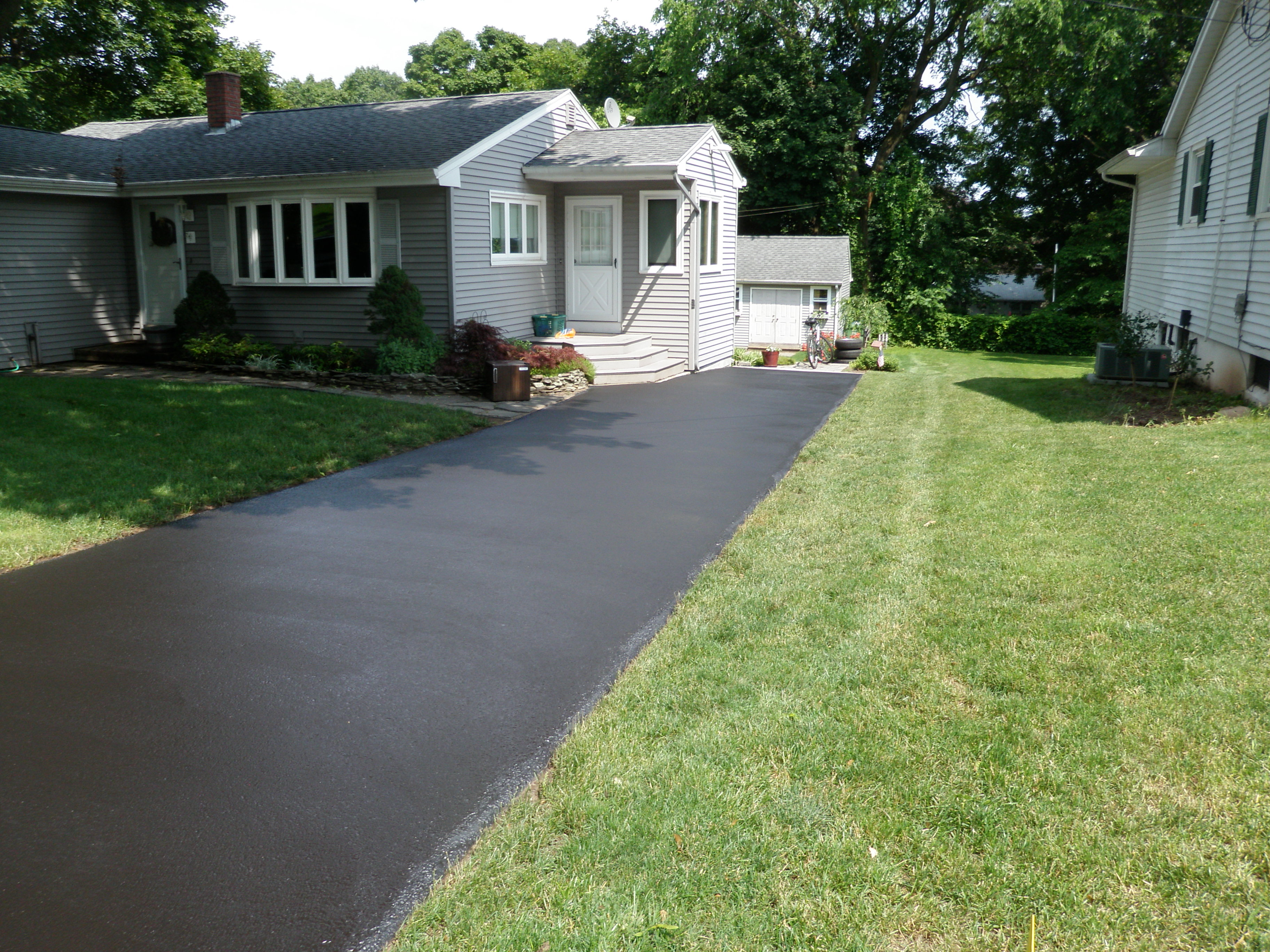 Finished Driveway Sealing Project 10