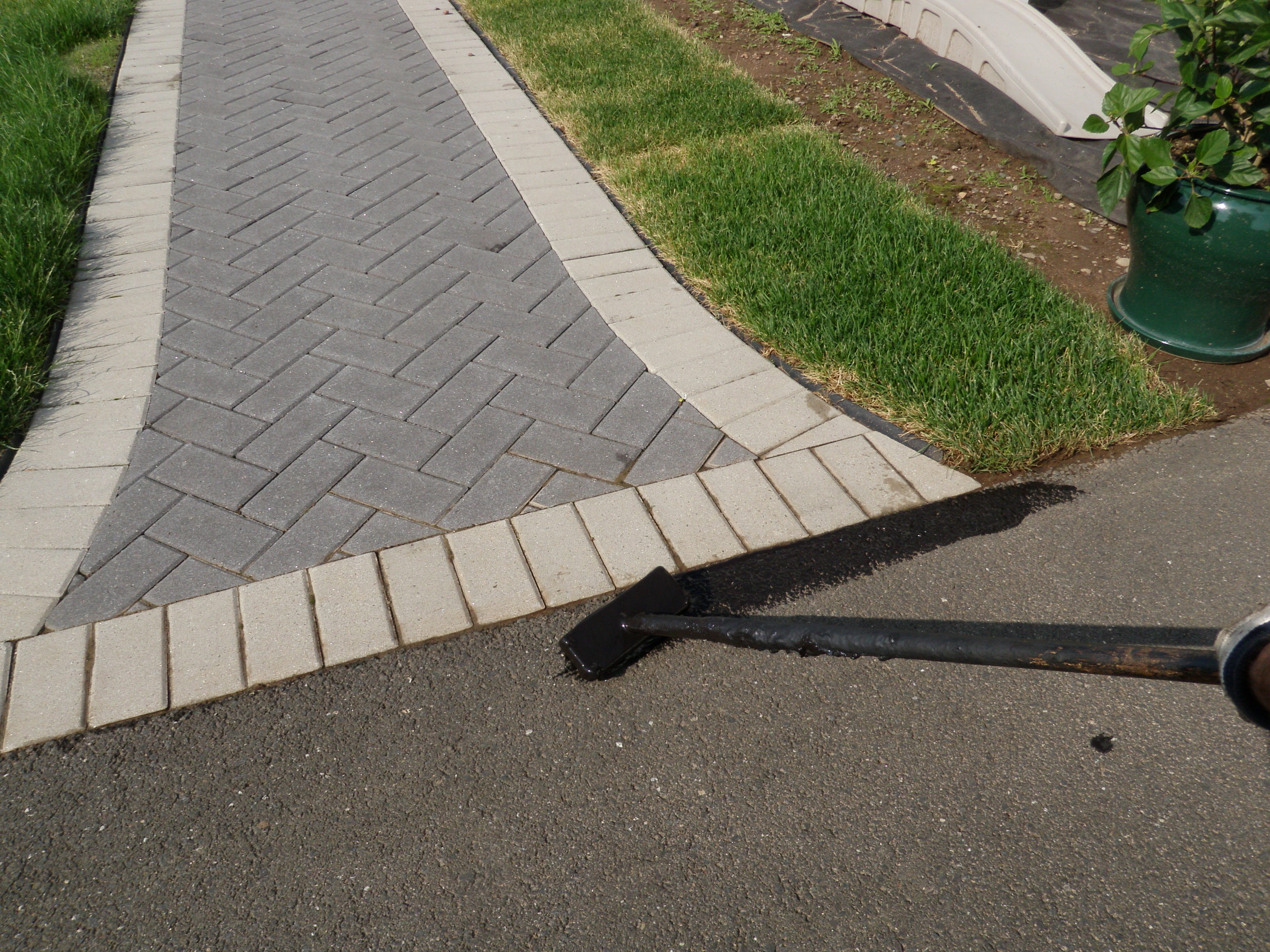 Clean Edge Brush by Pavers 4