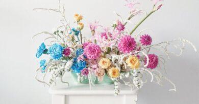 Rosalie Villanueva crafts fantastical floral arrangements that delight — and do good