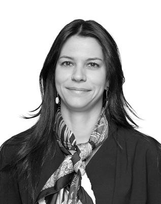 Retrato do associado Marina Anselmo Schneider