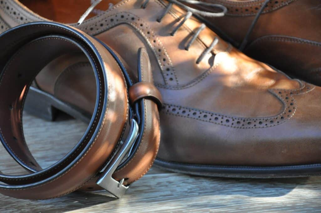 big guy fashion tips for belt and shoes