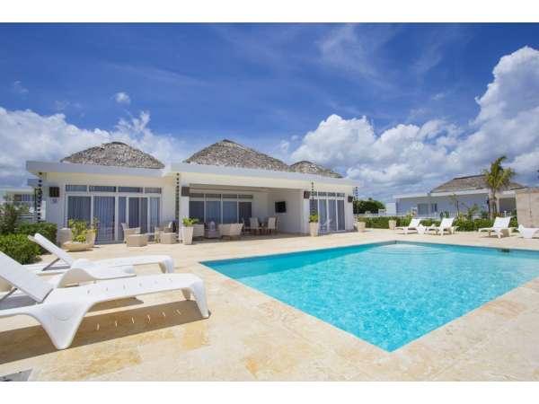 Ocean Front Villa – Serenity