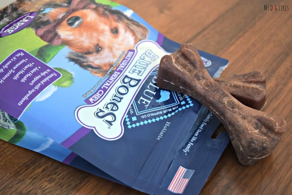 Reviewing Blue Buffalo Dental Chews to help spread the word about Dog Dental Health Month
