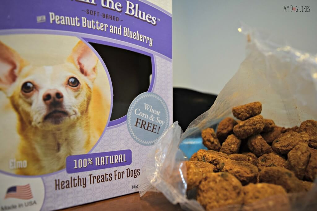 MyDogLikes reviews Howlin' the Blues dog biscuits. One of the many healthy treats available from Lazy Dog Cookie Company.