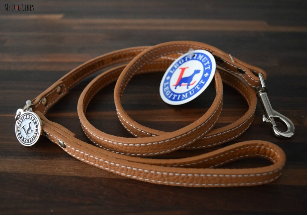 MyDogLikes reviews a Legitimutt Leash. Constructed of smooth Italian leather and stainless steel hardware, this dog leash is absolutely beautiful!