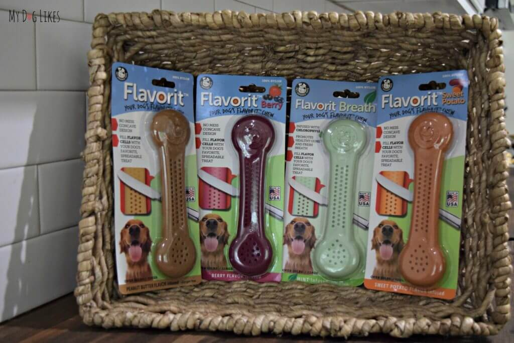 Thes Dog Bone Chews come in several different flavors including peanut butter, sweet potato, berry and mint