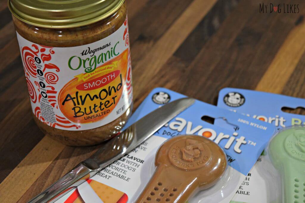 We loved the concept of the Flavor Cells to be filled with spread and entice your dog to chew.