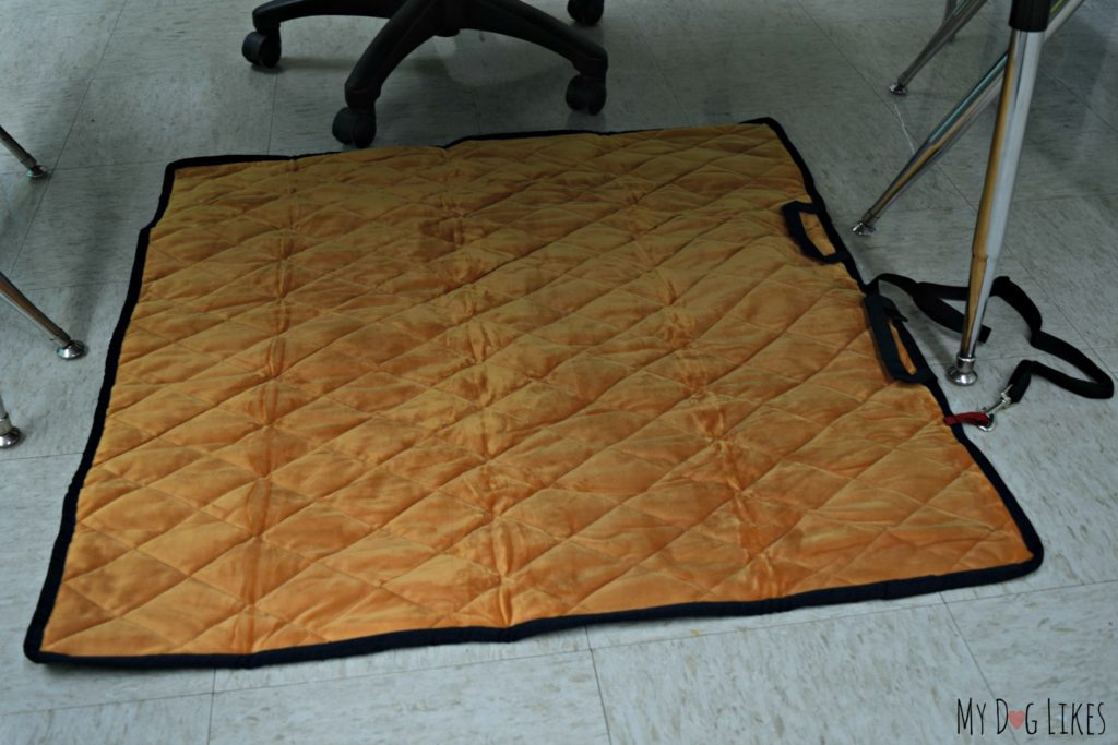 Large mat laid out under a table - Brown Velour