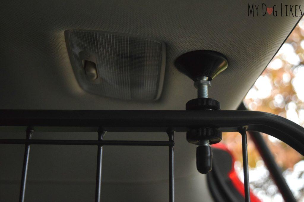 Screw tightening ceiling mount