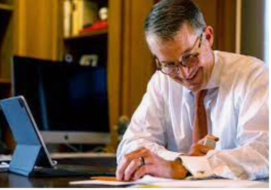 UT President Jay Hartzell Comes from 'Best-Man' Stock
