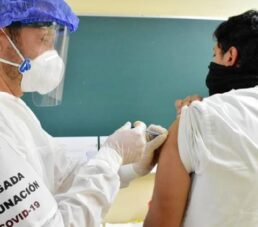 Concluye Chihuahua aplicación de 20 mil dosis de vacunas a personal de la salud
