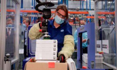 Buscan Pfizer y Biontech producir 2 mil 500 millones de vacunas en 2021