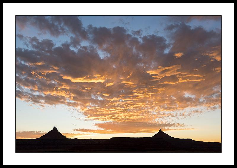 sunset-Canyonlands-national-park-Needles-District-utah.