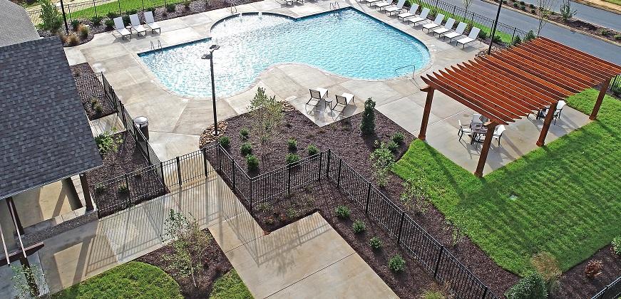 Laurel Ridge pool and patio