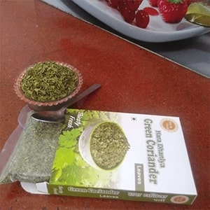 About Dry Vegetable Kitchen Dehydrated Vegetable Green Coriander Leaves Image