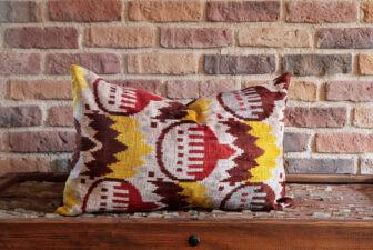 0002-silk-velvet-pillow