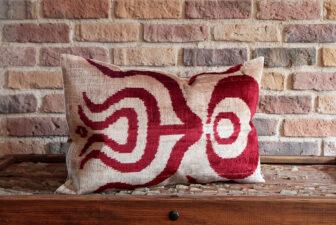 0019-silk-velvet-pillow