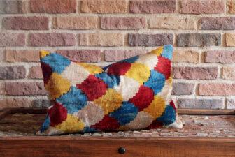 0207-silk-velvet-pillow
