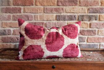 0358-silk-velvet-pillow