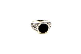 0002-hand-crafted-mens-ring-front
