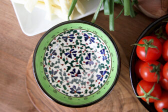1010-hand-painted-iznik-bowl-above-1