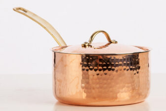 5300-16-copper-saucepan-with-lid-hammered-finish