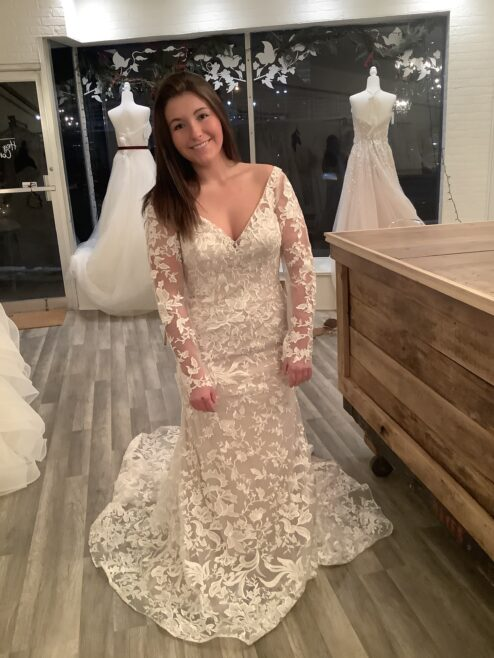 When a wedding dress transforms itself into a second look!