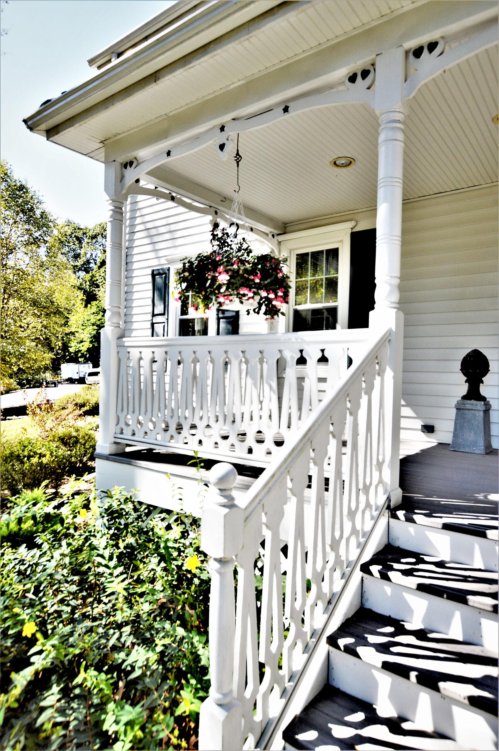 DSC_4607 Front Porch