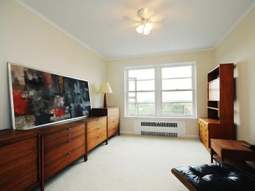office desk 2 (photo12-5)