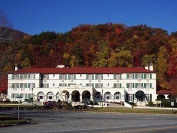 The Historic 1927 Lake Lure Inn and Spa