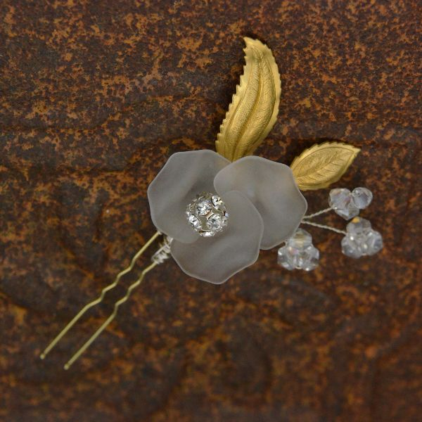 bridal hair pins luxury wedding accessories custom jewelry floral accents