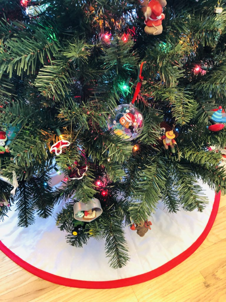 reversible tree skirt holiday project to sew