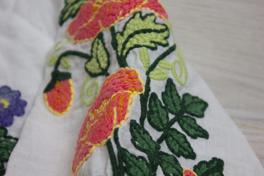 peasant blouse thread detail